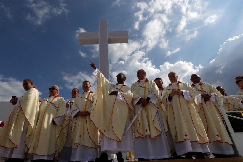 Poola piiskop lubas lapsi seksuaalselt väärkohelnud preestril aastaid tööd jätkata