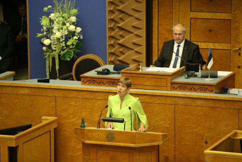 President Kersti Kaljulaid riigikogule: äratuskell, austatud riigikogu, on juba kõlanud