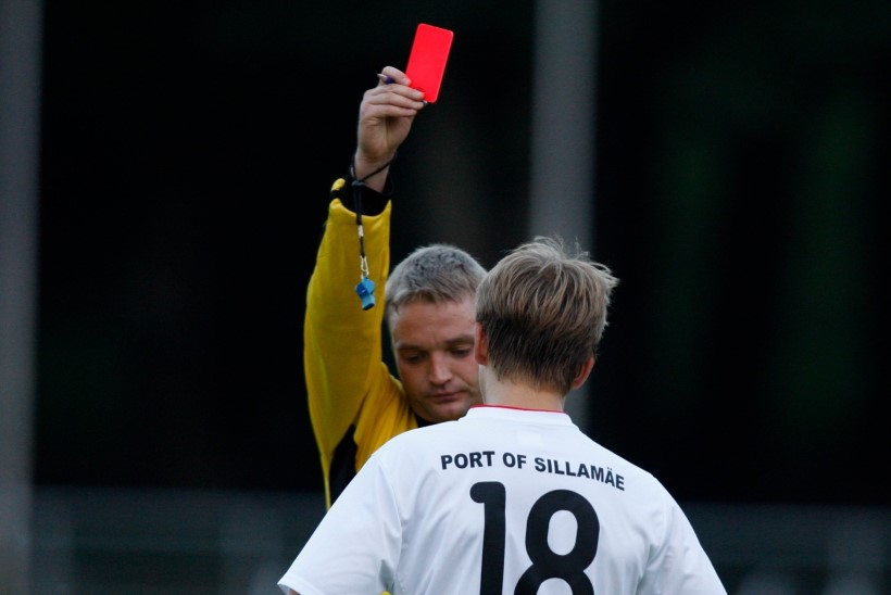 PSG ja Marseille ületasid Eesti meistriliiga punaste kaartide rekordi