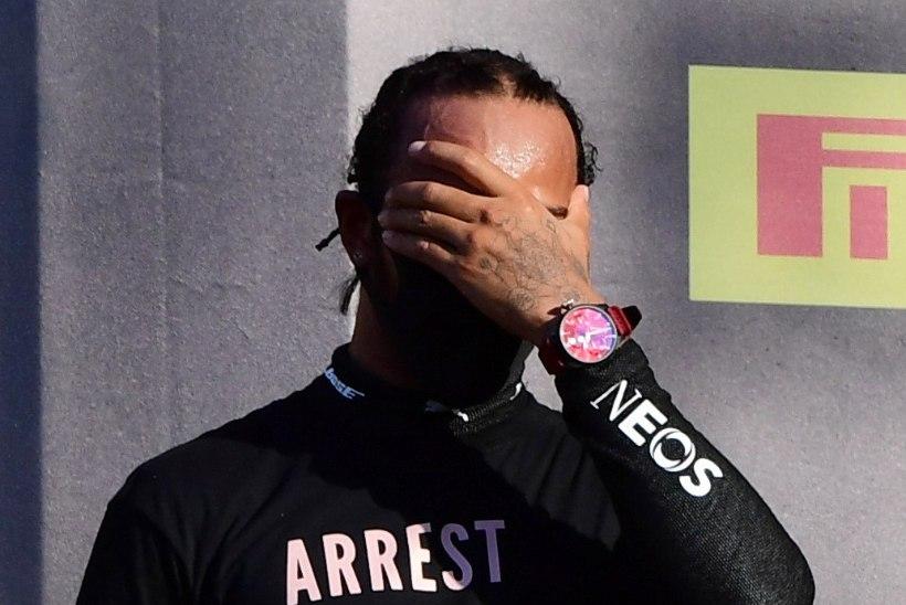 FIA asus uurima Hamiltoni käitumist