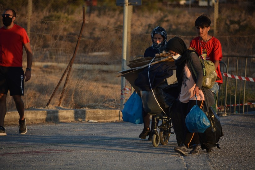 Saksamaa soovib pakkuda peavarju 1500 migrandile, kes kaotasid Kreeka põgenikelaagri põlengus elupaiga