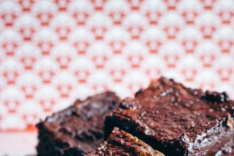 HÕRK KÕRVITS KÖÖGIS   Pontšikud, hautis ja šokolaadine kook hooaja lemmikuga