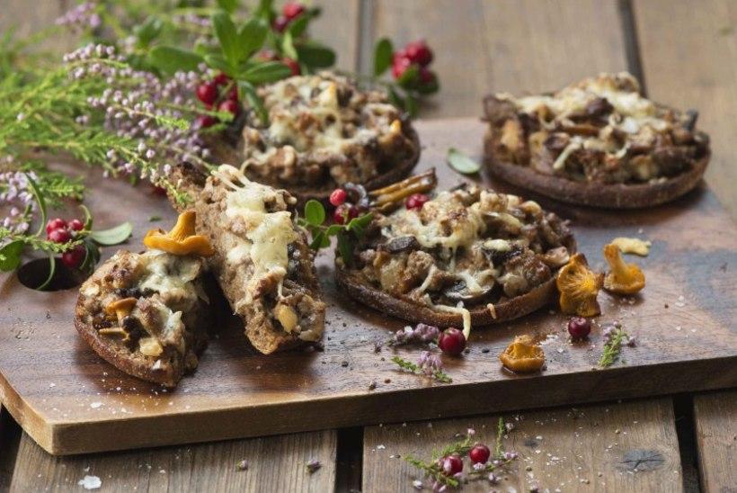 MÕNUS AMPS ARGIPÄEVA | Soojad seene-hakklihaleivad juustuga
