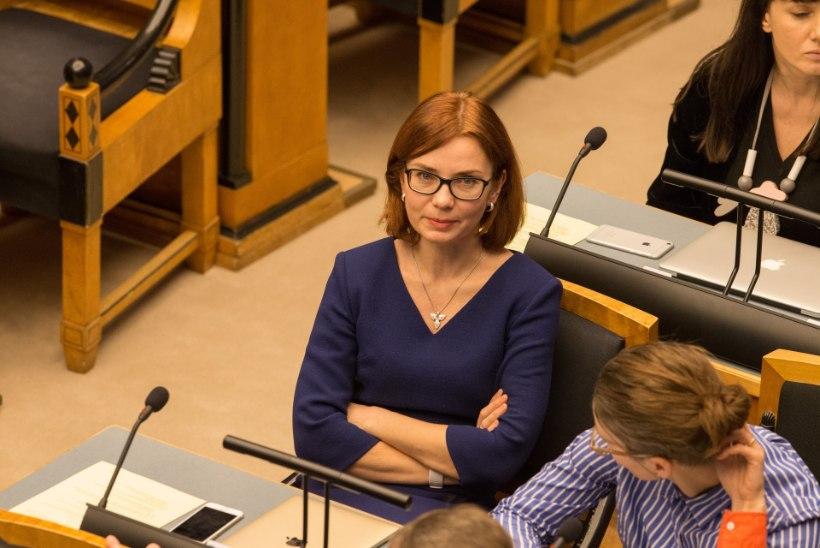 Keit Pentus-Rosimannus | Helme amatöörlik rahmimine kahjustab Eesti kaitsevõimet