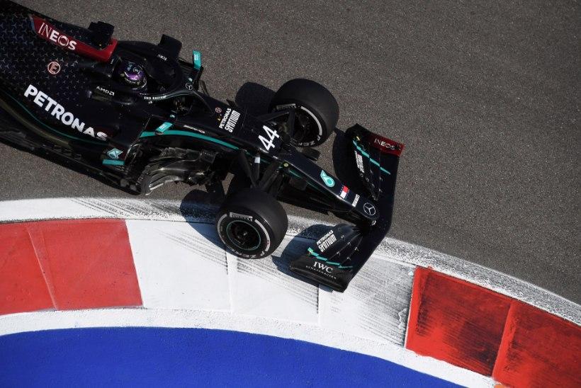 Ulme: kuningas Lewis Hamilton näitas alles 19ndat aega, toimus kolm avariid