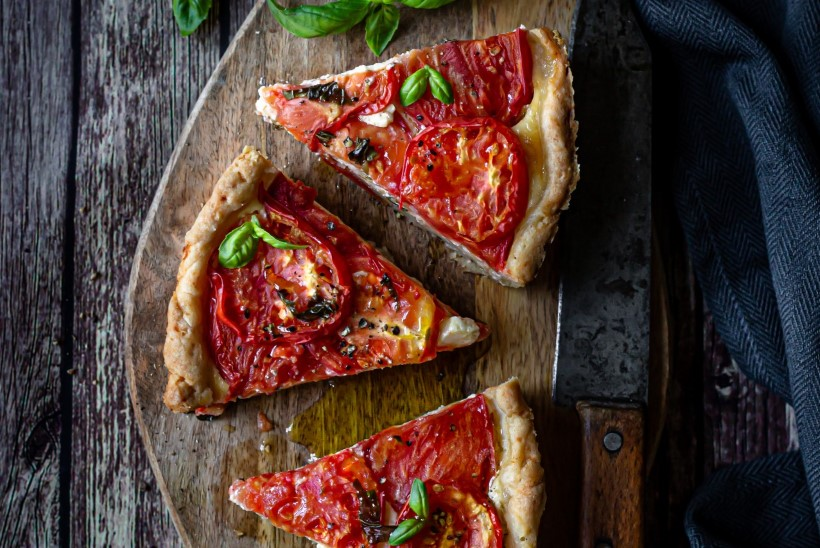 KUMMARDUS KARTULILE | Kana ja kartuli vormiroog, kartulitainal tomatipirukas ja lihtsad küüslaugukartulid