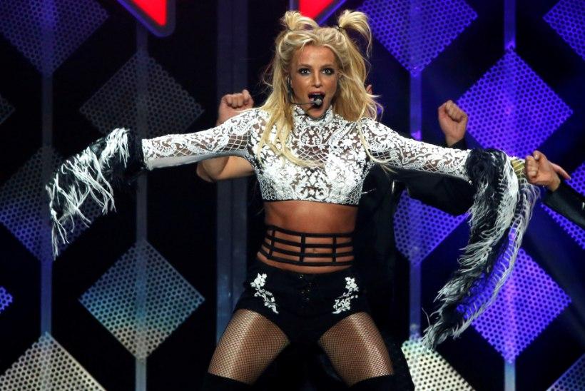 Britney Spears toetab liikumist #FreeBritney?