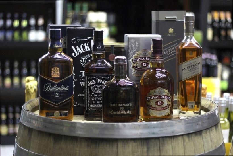 Pentsik lugu! Mees vahetab 18 pudelit viskit oma esimese maja vastu