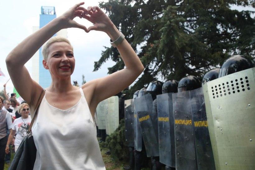 Valgevene opositsioonipoliitik rebis oma passi puruks, et teda ei saaks riigist välja saata