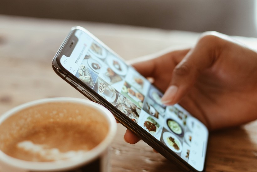 Oled telefonist sõltuvuses? 10 lihtsat harjumust, mis aitavad sul selle küüsist vabaneda!
