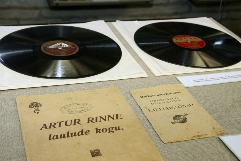 """Meenutame Artur Rinnet: unustusse vajunud laul """"Väike kergemeelsus"""""""