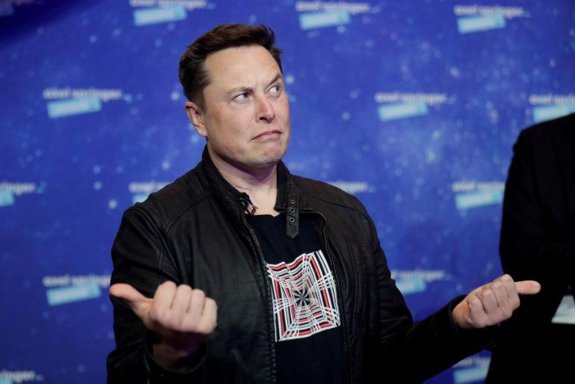 Elon Muski pruut paistab rõõmustavat, et ta Covidiga nakatus