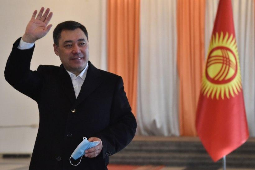 ÜLEKAALUKAS VÕIT: Kõrgõzstani presidendiks valiti hiljuti vangis istunud Sadõr Džaparov