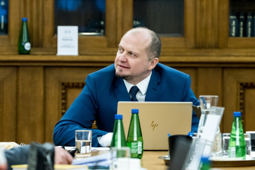 Parlamentarismi kaitsja Helir-Valdor Seeder: Poolamets ei riku seadust, asju tuleb vaadata tervikuna