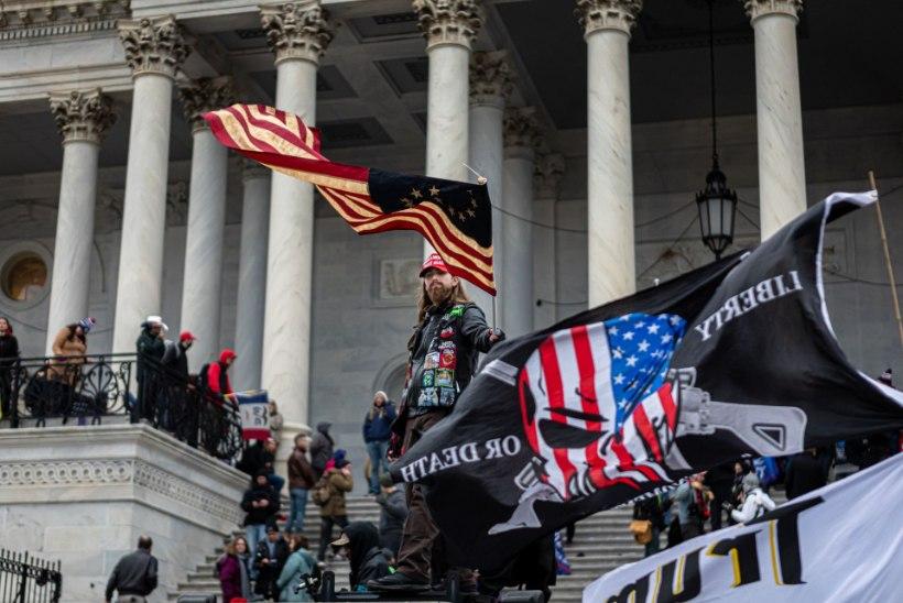 UUS MÄRUL? FBI hoiatas, et vägivaldsed protestid võivad toimuda igas 50 osariigis, uurimise all on Kapitooliumi politseinike tegevus