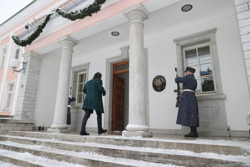 FOTOD   President kohtub sel nädalal erakondade esindajatega