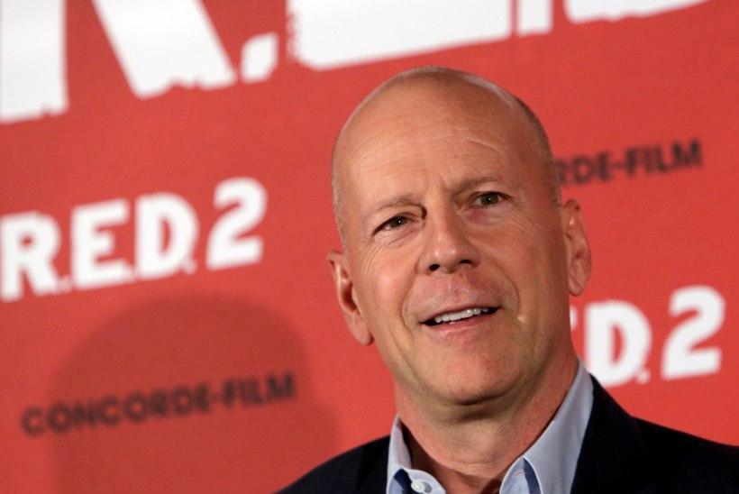 Maski kandmisest keeldunud Bruce Willis visati apteegist välja