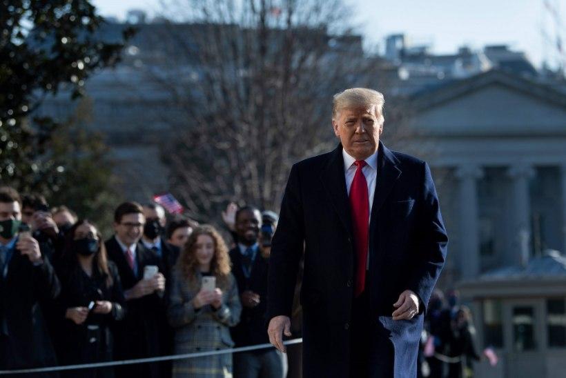 """""""MÜÜS MEID MAHA! ARGPÜKS!"""" Fännid pöördusid Trumpi vastu"""