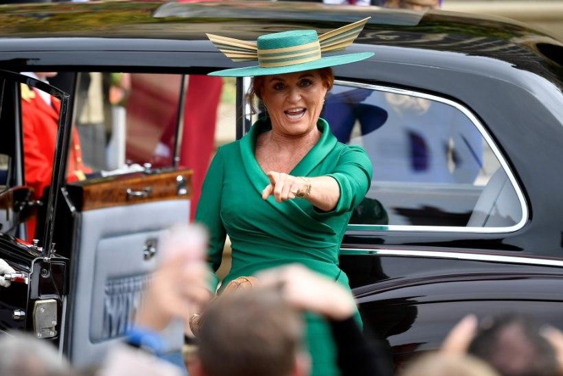 Hertsoginna Fergie debüteerib romaanikirjanikuna
