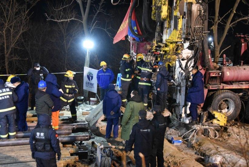 Lõksu jäänud Hiina kaevurid saatsid päästjatele lootustandva sõnumi