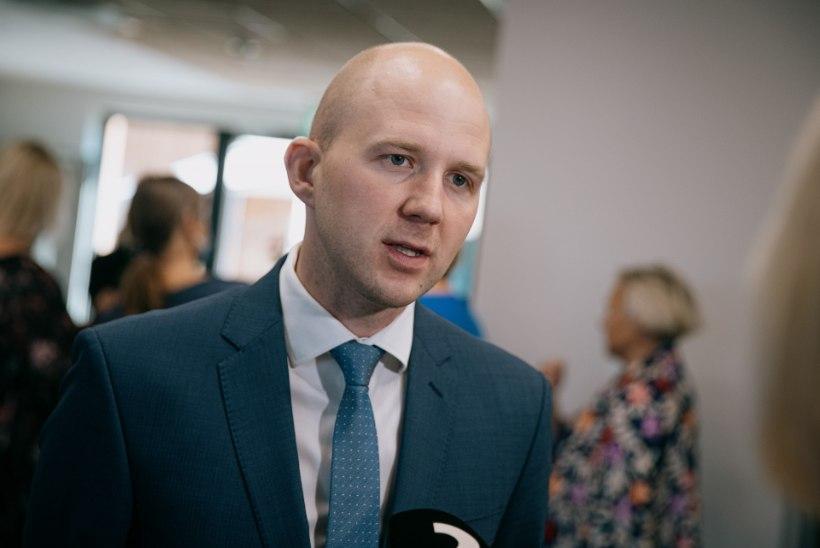 Riigikogu hoiatas komisjoni istungit salaja lindistanut väärteomenetlusega