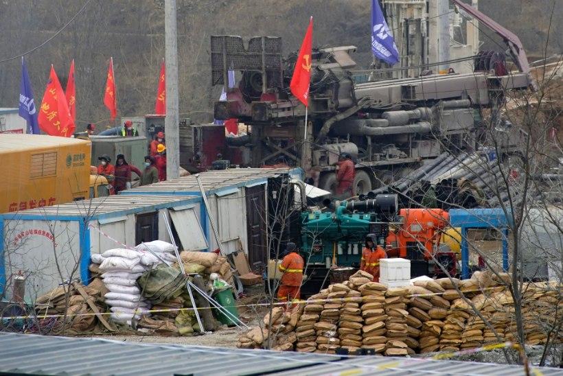 Hiinas kaevandusse lõksu jäänud 22 töölisest on 11 päästetud