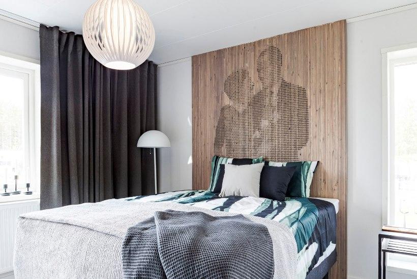 Uus sisustustrend: puit ja geomeetria paneelina seina