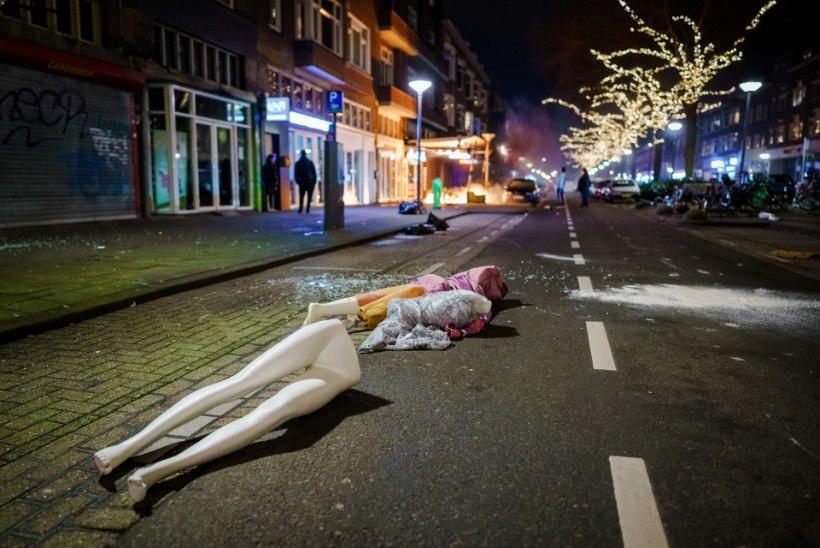 ÖINE LIIKUMISKEELD JÄÄB: Hollandi võimud ei anna meeleavaldajatele järele