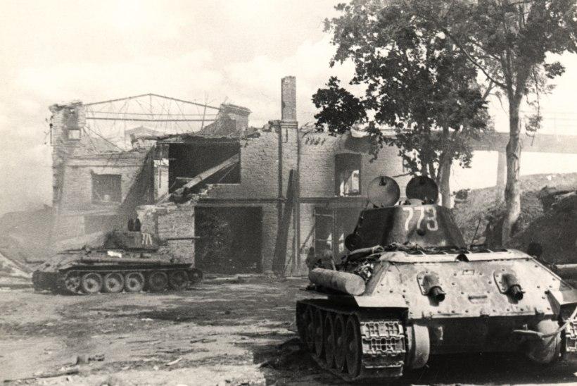 Sõda jõudis Eesti piirile: Narva tühjendati elanikest