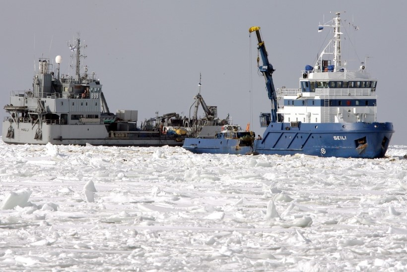 Keskkonnaminister: laevalt laevale kütuse ümberpumpamine on hoiualal ebaseaduslik ja peab lõppema kohe