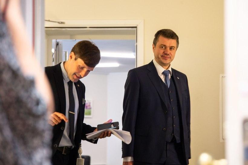 Urmas Reinsalu: Eesti ei kahtle Leedu ega Rumeenia valimistes, palusin Martin Helmel teha Facebooki postituse