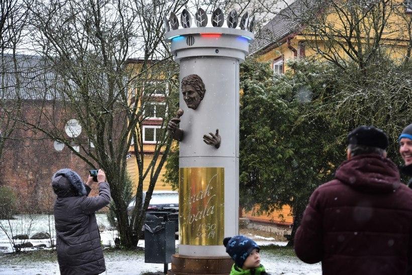 Olavi Pihlamägi Joala monumendist: diskovalgusega kaunistatud post oli kõige viimane, mida tahtnuks näha