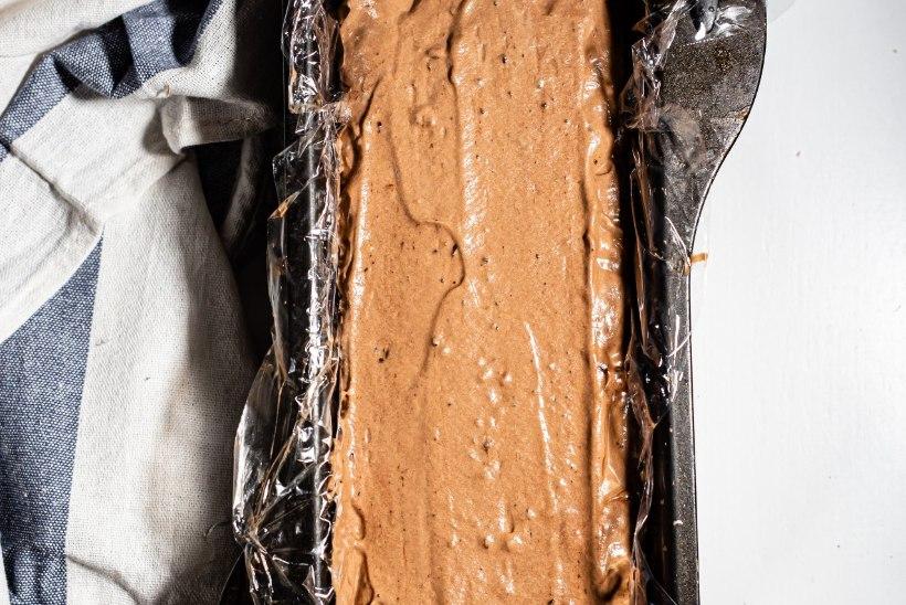 SAMM-SAMMULT | Šokolaadi-semifreddo't mandlipralineega on äärmiselt lihtne teha