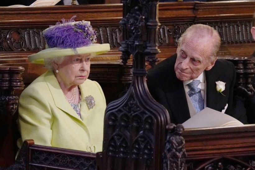 Kuninganna Elizabeth ll ja prints Philip said koroonavaktsiini