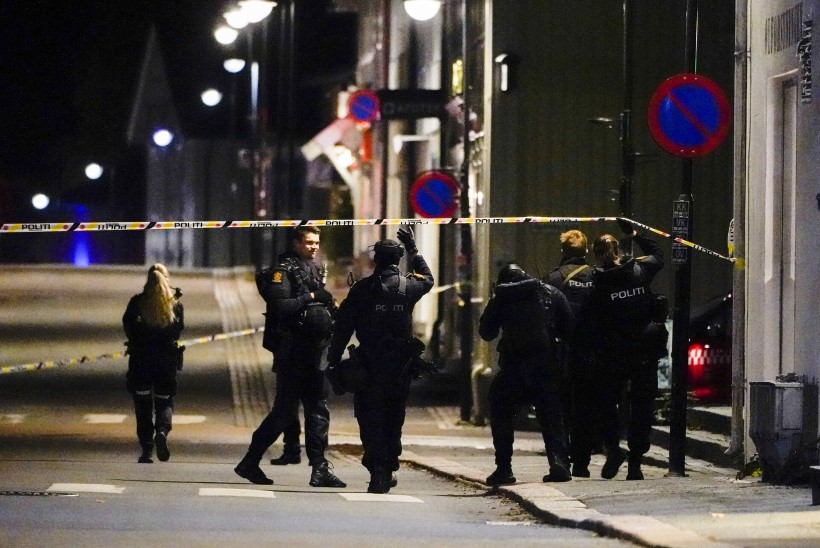 VIIS OHVRIT: islamiusku pöördunud taanlane korraldas Norras vibu ja nooltega kohutava veretöö