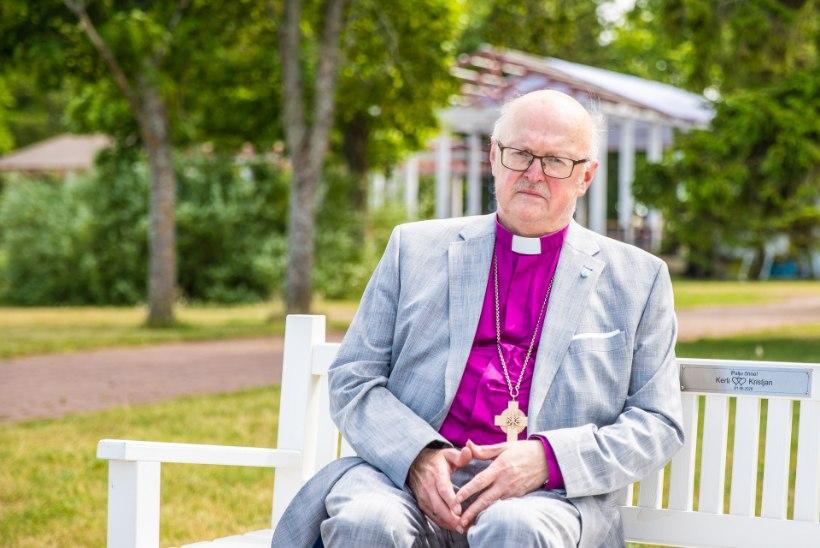 KAEBEKIRI: homoseksuaali vaimulikuks pühitsemine Eesti piiskopi juuresolekul põhjustas kirikus tormi