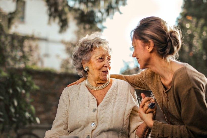 KOROONA ÕPPETUNNID HOOLDEKODUS: hea, kui seal on inimene, kellega jagada oma kurbust või rõõmu