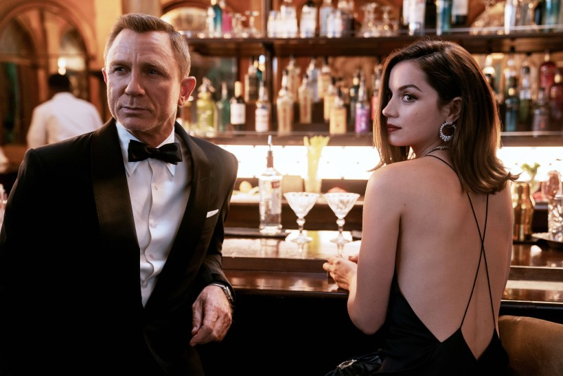Daniel Craig paneb Bondi rolli maha rekordeid purustades