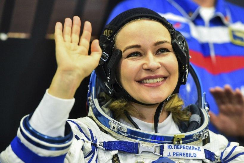 Eesti juurtega Vene näitlejanna lendas kosmosesse filmi tegema