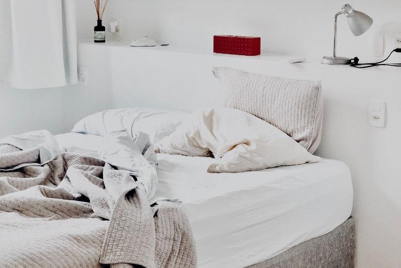 Spetsialistid annavad nõu: kuidas leida tekk, mis vastab just sinu uneharjumustele?