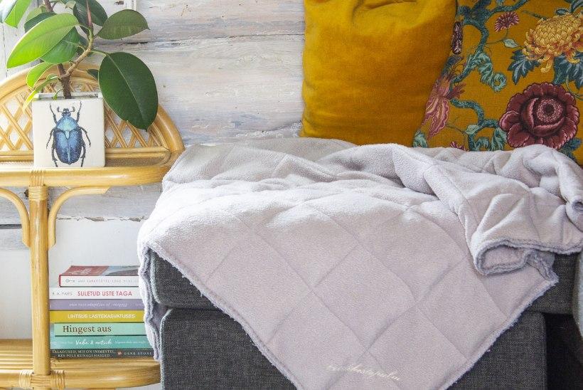 Tugev kaisutus aitab paremini magada: tee ise pehmest pleedist rahustav raskustekk!