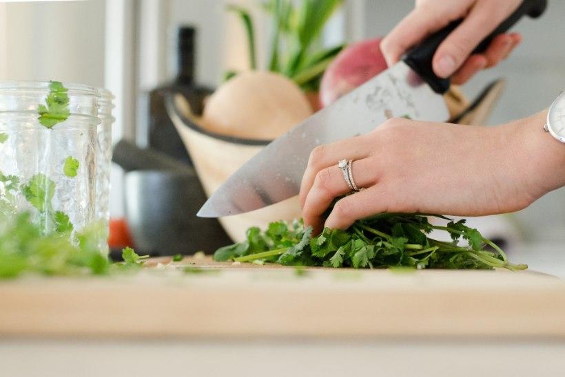 Köök puhtaks! Nutikad lahendused, kuidas saada lõhnad ja pisikud köögis kontrolli alla