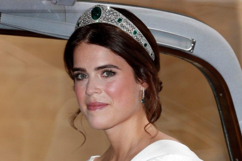 Õnnest särav printsess Eugenie lahkus koos beebiga haiglast