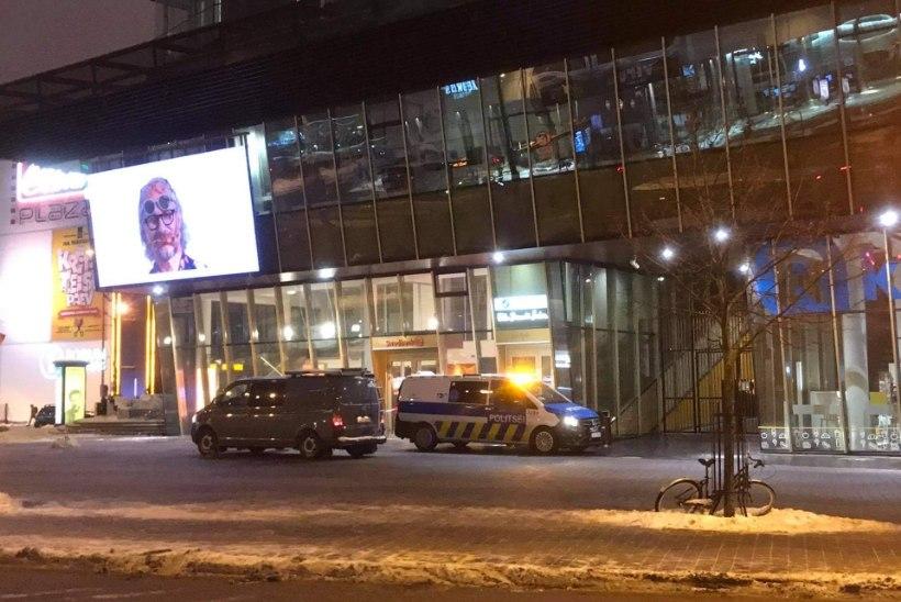 PILT SÜNDMUSKOHALT | Tallinna kesklinna ärihoones päädis meestevaheline tüli pussitamisega