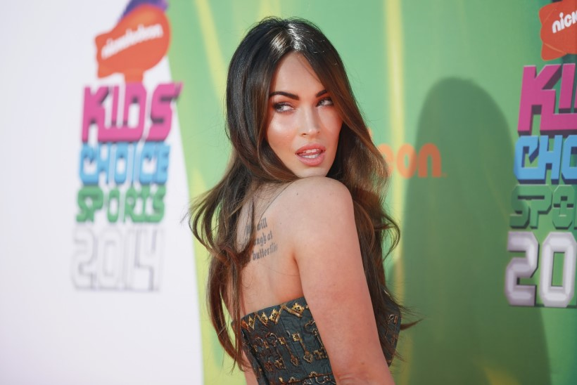 Megan Foxi räpparist kallim kannab kaelas tema verd