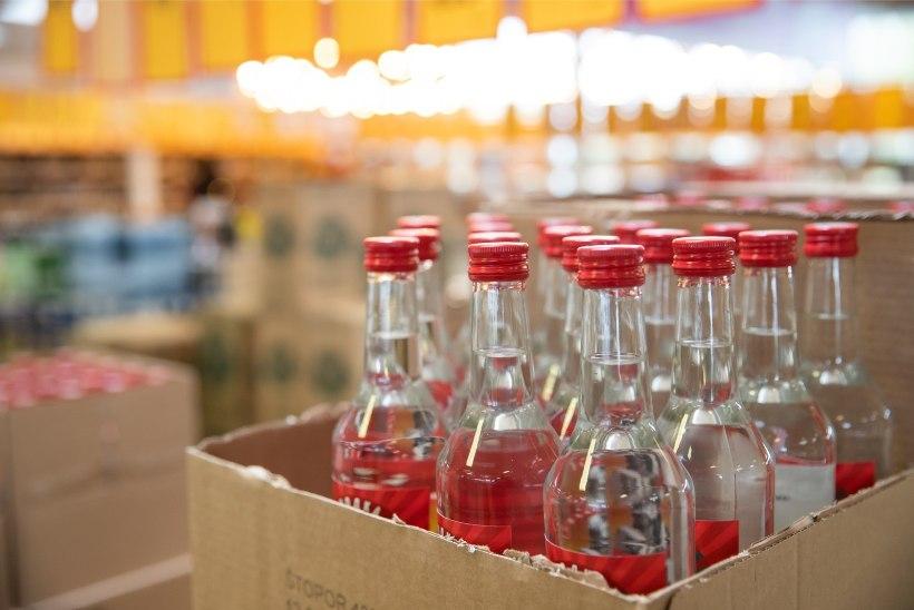 Valitsus pikendas öise alkoholimüügi keeldu märtsi lõpuni