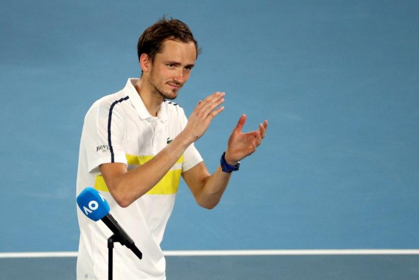 Djokovic kohtub Australian Openi finaalis Medvedeviga