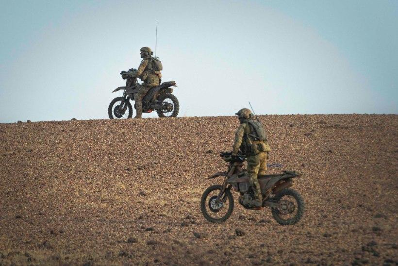 PÕRGULISED KAHEL RATTAL! Eesti eriüksuslased üllatasid terroriste mootorratastega