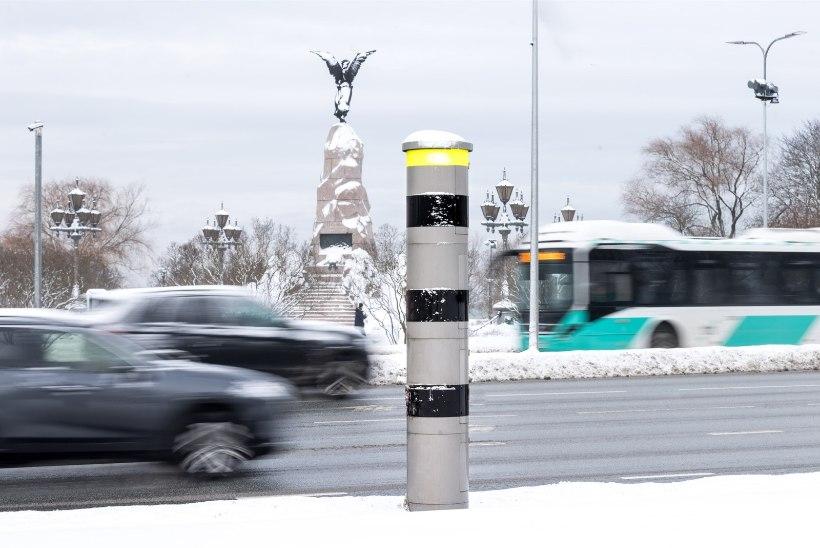 RAHA TEEME POOLEKS! Linnad-vallad ootavad õigust kiiruskaameraid püsti panna