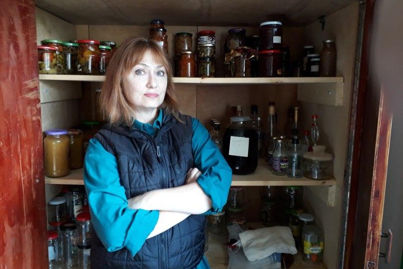 STAARI MENÜÜ | Mida peidab Carmen Mikiveri külmkapp? Ootamatule külalisele leidub sügavkülmas viinamäetigusid